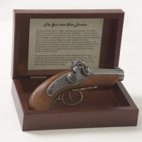 The Gun That Shot Lincoln Non-Firing Replica Gun Box Set